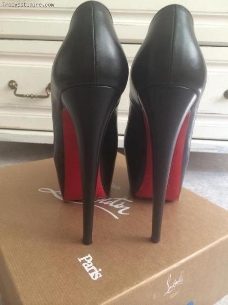baskets louboutin occasion